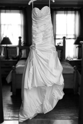 bridesdress.bridalprep.weddingphotos.apicturesquememoryphotography