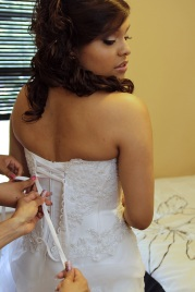 BRIDAL-PREP.BRIDES-DRESS.WEDDING-PHOTOS.A-PICTURESQUE-MEMORY-PHOTOGRAPHY.WEDDING-PHOTOGRAPHER