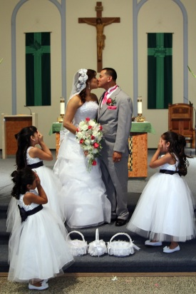 bride-and-groom-kissing.flowergirls.wedding-photos.a-picturesque-memory-photography.wedding-photos