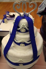 bridal_shower_photography.layered_cake.heart_caketopper.apicturesquememoryphotography