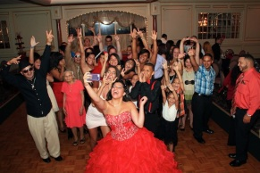 sweet16photography_sancarlobanquethall_groupselfie