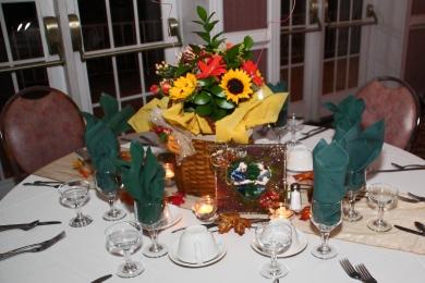 weddingengagementparty_decor_tablecenterpieceflowers