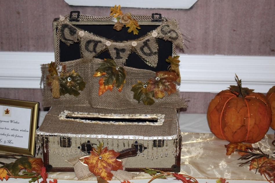 weddingengagementparty_decor_cardbox