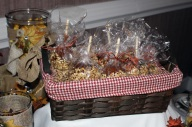 weddingengagementparty_decor_candyapples