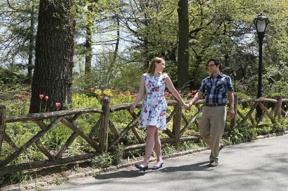 engagementphotos_weddingphotography_nycengagementphotography_centralparkphotoshoot_apicturesquememoryphotography_tulips