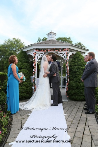 #firstkiss, #justmarried, #njwedding, #apicturesquememoryphotography, #weddingphotography, #weddings