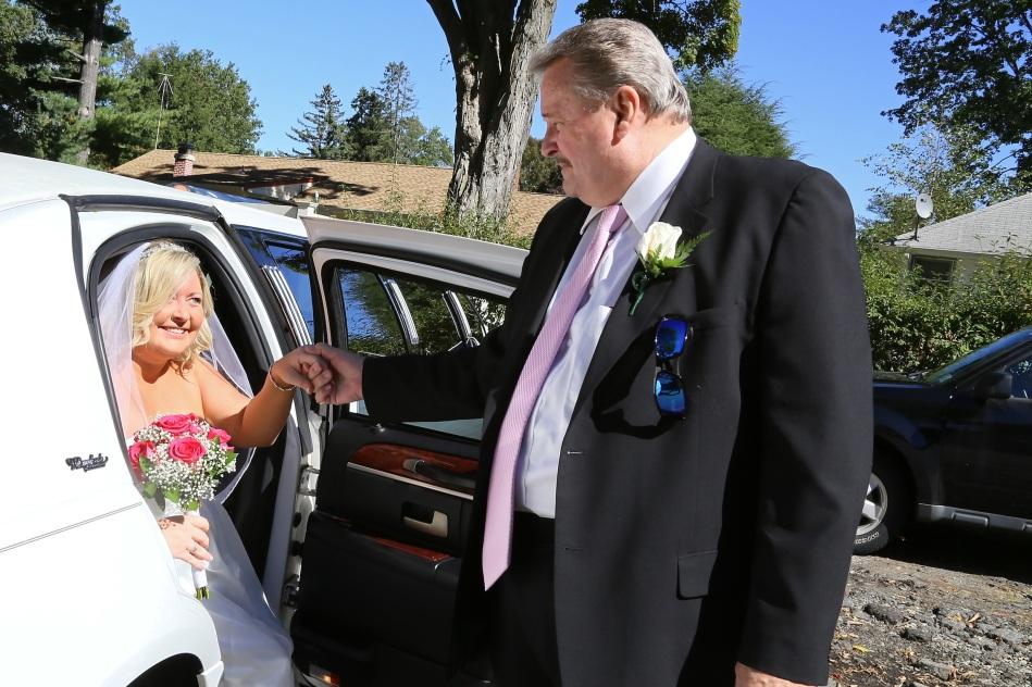 #brideleavinglimo, #groomtobe, #njwedding, #apicturesquememoryphotography, #weddings, #pomptonlakesnjwedding, #njweddingphotography, #weddingphotographer