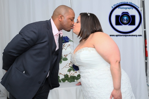 #njwedding, #njweddingphotography, #bloomfieldphotographer, #apicturesquememoryphotography, #oaksidemansionwedding, #oaksidebloomfieldculturalcenter, #weddingphotos, #weddingcake, #brideandgroomkiss