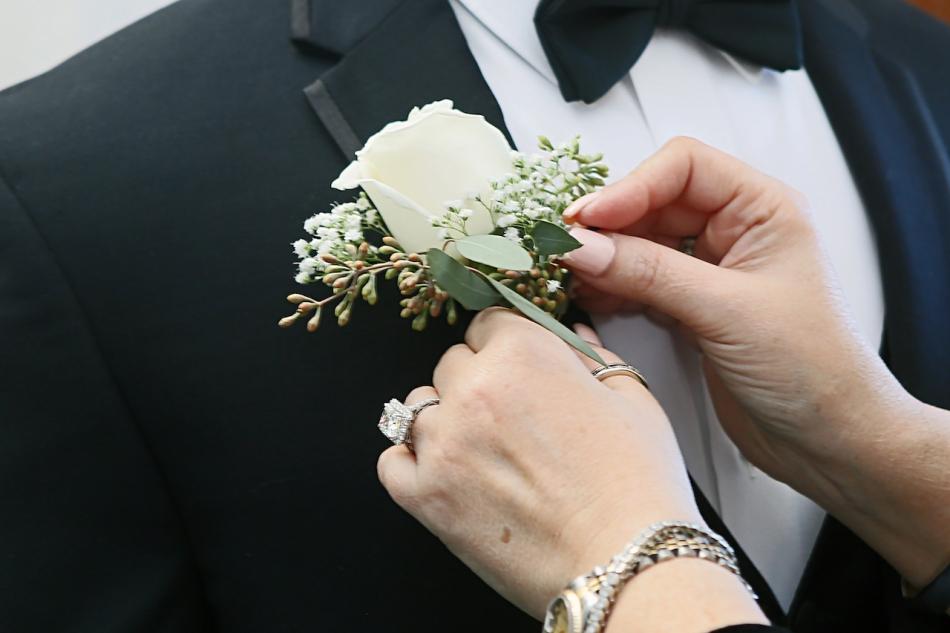 primaveraregencyweddingphotos, apicturesquememoryphotography, weddingphotography, njweddingphotographer, menswearhouse, calvinkleintuxedo