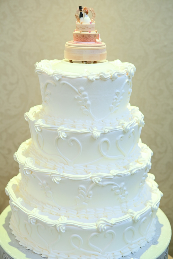 primaveraregencyweddingphotos, apicturesquememoryphotography, weddingphotography, njweddingphotographer, weddingcake, caketopper