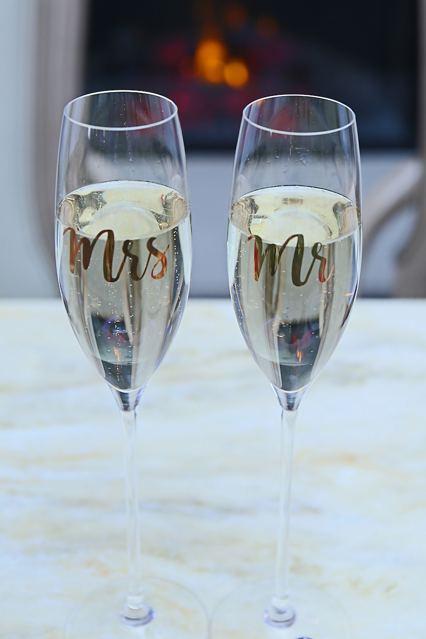 primaveraregencyweddingphotos, apicturesquememoryphotography, weddingphotography, njweddingphotographer, champagneglasses, weddingdecor